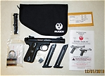 What_s_in_the_box_Ruger_22-45_Pistol_with_threaded_muzle.jpg
